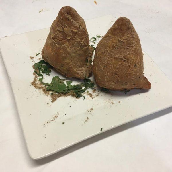 Vegetable Samosas (2pcs)